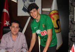 Eskişehirspor 15 yaşındaki kaleciyle sözleşme imzaladı