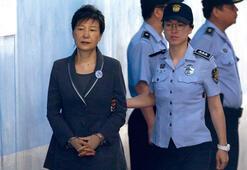 Güney Kore eski cumhurbaşkanının 25 yıl hapis cezası onandı