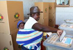 Zimbabve 38 yıl sonra Mugabesiz ilk başkanlık seçimi için sandık başında
