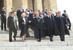 Yargıtay'dan protokol isyanı