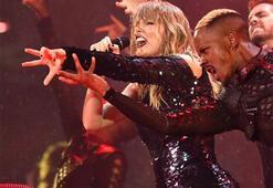 Taylor Swifti yağmur bile durduramadı