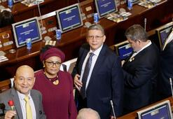 Kolombiyada tarihi viraj FARClılar Kongrede yemin etti