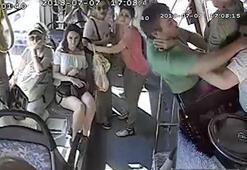 Son dakika: Otobüs seyir halindeyken bir anda kavgaya tutuştular