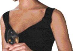 Bond kızını kıyafetinden tanırsınız