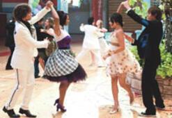 Lise müzikali, mezuniyetini beyazperdede kutluyor
