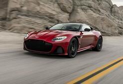 Aston Martin yeni canavarı DBS Superleggerayı tanıttı