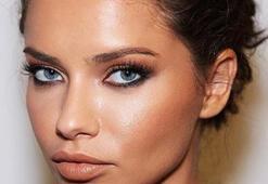 5 Adımda Adriana Lima stili