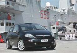 Punto EVO'ya uçak gemisinde tanıtım