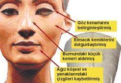 Nefertiti, büstüne estetik yaptırmış