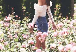 Alessandra Ambrosio çiçekler içinde