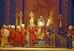 IV. Murat opera sahnesinde