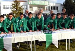 Bursaspor altyapısında imza şov