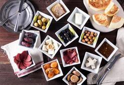 Hiltonda İstanbul manzarası eşliğinde iftar