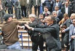 Türk'e saldırı
