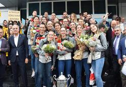 Avrupa şampiyonu VakıfBanka coşkulu karşılama
