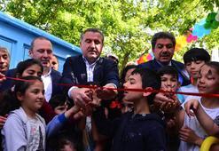 Bakan Bak, Esenler'de çocuk sokağı açılışına katıldı
