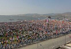 Mitinge katılım İzmiri de soyal medyayı da salladı