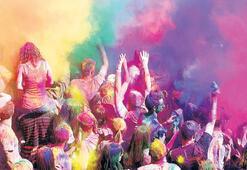 Holi festivali İstanbul'da da kutlanıyor