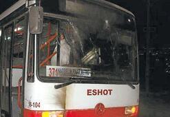 Otobüse molotof ve taşla saldırı