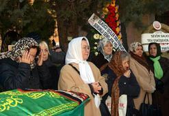 MHP Genel Başkan Yardımcısı Demirelin annesi Eskişehirde toprağa verildi