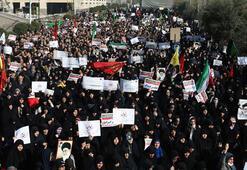 Son dakika: İran patladı Bu kez rejim taraftarları gövde gösterisi yaptı