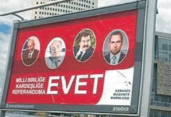 Ankara'da korsan 'EVET' afişleri