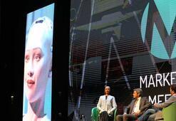 Türkiyeye ilk kez gelen robot Sophia bu soruya bakın ne cevap verdi