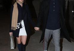 Maisie Williams ile sevgilisi el ele