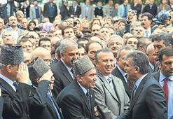 Cumhurbaşkanı Gül'ü kalpaklılar karşıladı