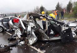 Refüjü aşan otomobil iki otomobille çarpıştı: 3 ölü, 3 yaralı