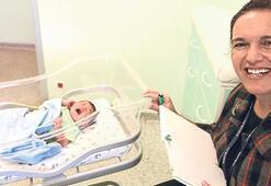 Bebeklerin hayattaki ilk gününü yazıyor