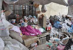Mersinde bir evden 4 kamyon çöp çıktı