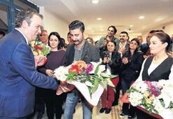 İşçilerden Piriştina'ya sürpriz karşılama