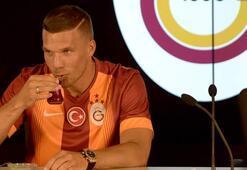 Ve Podolski imzayı attı İlk sözleri...