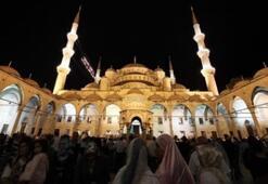 Türkiyede Kadir Gecesi böyle kutlandı