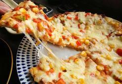 Pizza hamurunuzu kendiniz yapmaya ne dersiniz