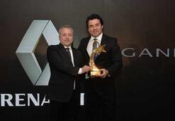 Türkiyede yılın otomobili Renault Megane Sedan seçildi