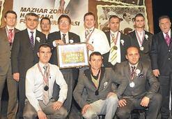 ZORLU turnuvada ödüller dağıtıldı