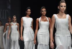 Istanbul Fashion Week Eylül 2011 - Özgür Masur Defilesi