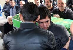 Tek teker Arifin cenazesi toprağa verildi