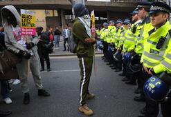 Londrada halk ayaklandı