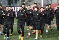 Cenk Tosun, Hakan Çalhanoğlu ve Selçuk İnan takımdan ayrı çalıştı