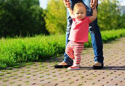 Bebeğinizin geç yürümesinin sebebi kiloları olabilir