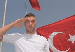 PKKya yakın kişilerden gelen mesajların ardından Podolski...