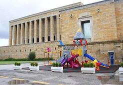 Anıtkabire Yapılan Çocuk Parkı Tepki Çekti
