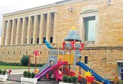 Anıtkabir içerisinde çocuk parkına tepki