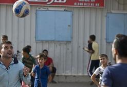 Türkiyeye sığınan Suriyeli futbolcular eski günlere dönmek istiyor