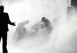 Ankaradaki patlamayı protesto edenlere polis müdahalesi
