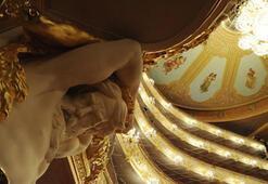 Bolşoy Tiyatrosu perdelerini yeniden açtı