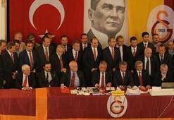 Başkan Dursun Özbek ile Hayri Kozak arasında gerginlik yaşandı